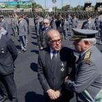 General Tulio Fonseca Chebli entrega a medalha ao Dr. Jorge Jaber