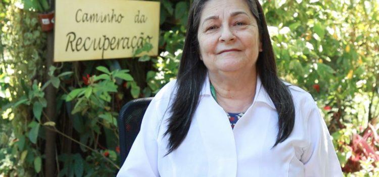 Janine Veiga fala sobre o Dia nacional de combate às drogas e alcoolismo